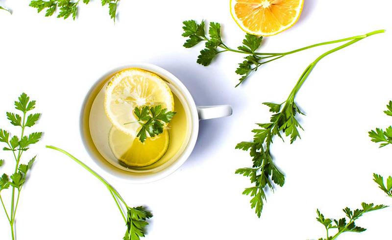 عسل طبیعی و جعفری - درمان کم خونی